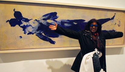 con Yves Klein, Museo  Reina Sofia