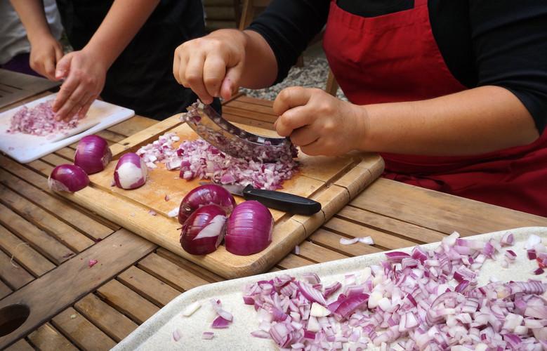 O Anna cutting onions.jpg