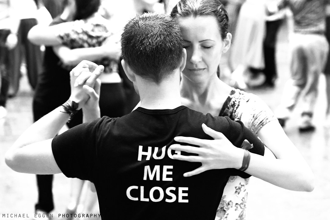 Hug me Close T-Shirt Tango dance