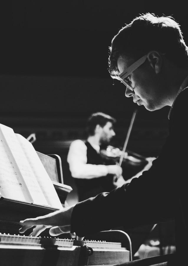 Bandonegro Pianist