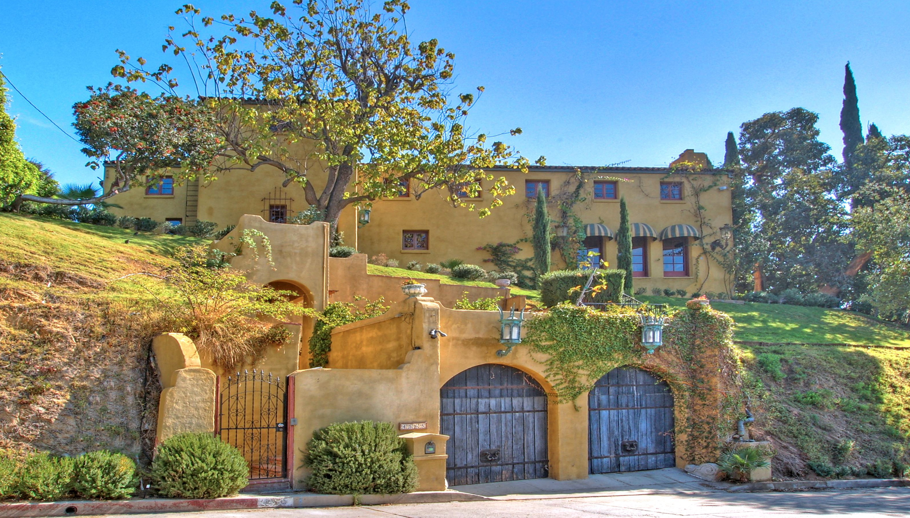 Italian Villa rental in Los Angeles