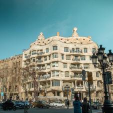 ガウディの『カサ・ミラ/ Casa Mila』見学ツアー