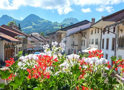 グリュイエール村③(スイス).png