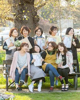 students-classes-courses-flower-design-l