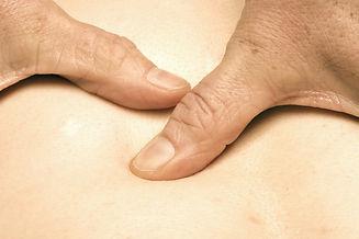 massage-3749199_1920_edited.jpg