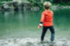 skipping-stones-2352751_640.jpg