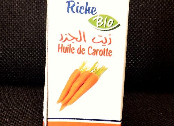 Huile de carotte bio (14 €)