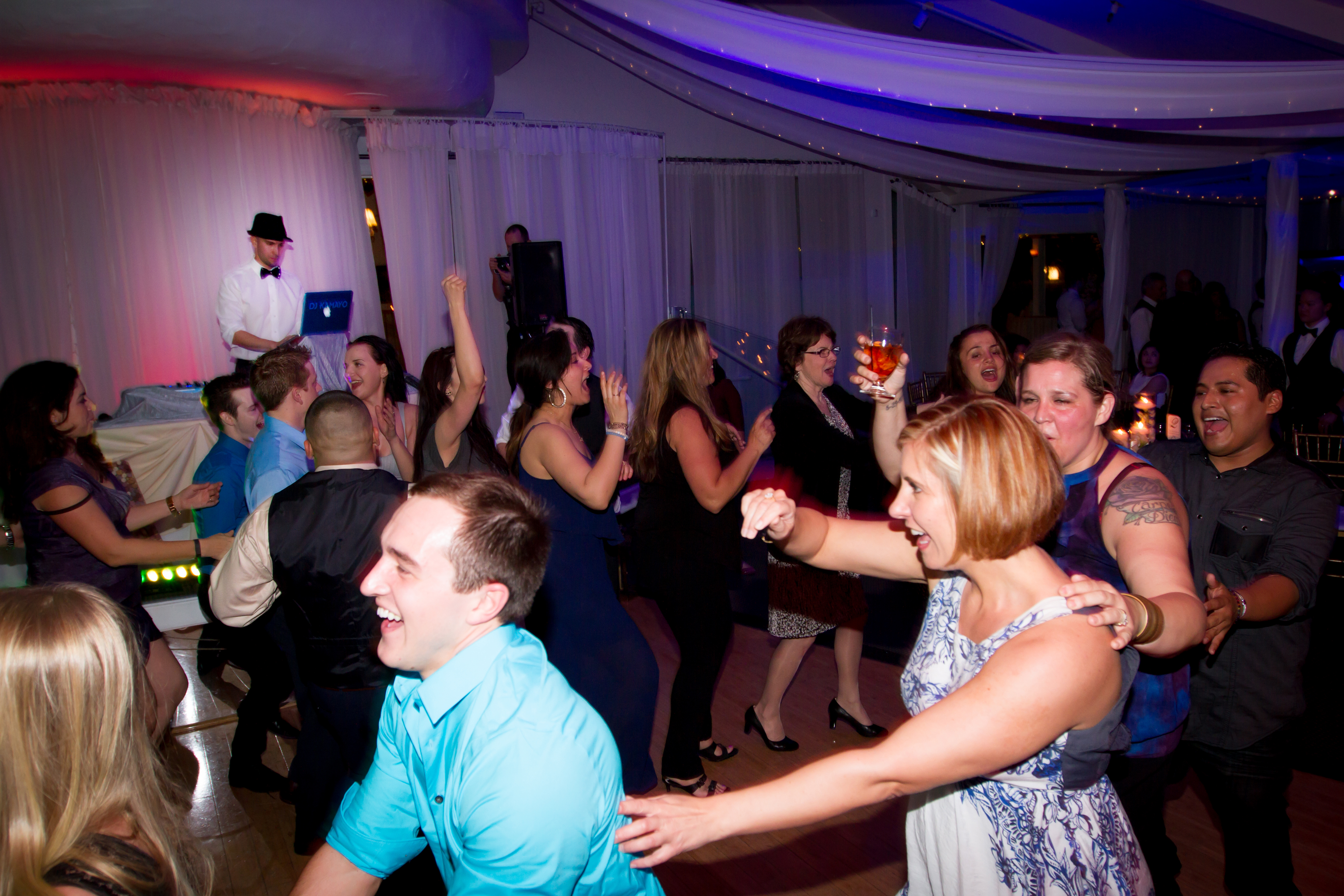 Best Wedding DJs in the San Fernando Valley, Santa Clarita