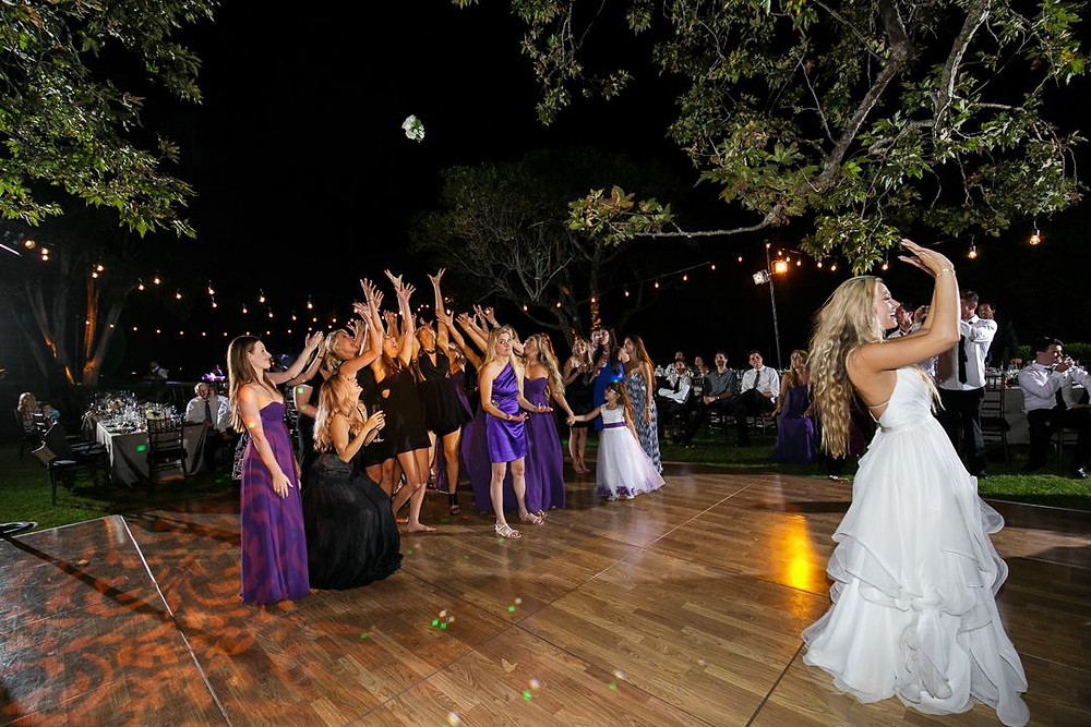 Wedding Bouquet Toss, http://www.embracelifephoto.com/