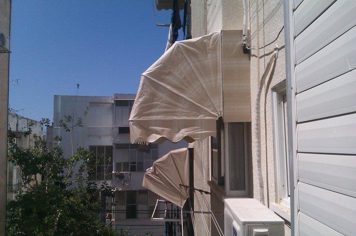 מרקיזה לחלון בדירה