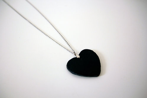 Long leather heart shape pendant necklace