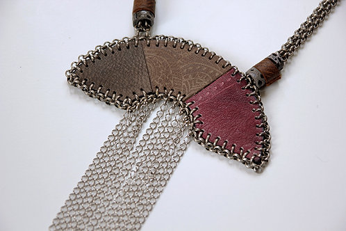 Wild statement leather and chains necklace | Impulsiva jewelry