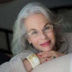 דניאלה פז-אורה, אמנית רב תחומית ובלוגרית