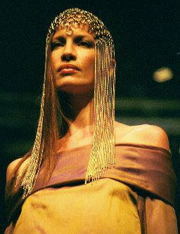 Impulsiva Headpiece in a fashion show