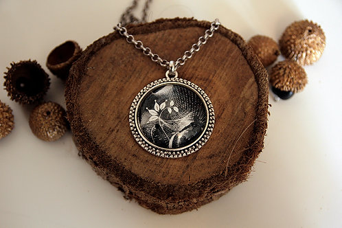 "Photo Pendant Necklace ""Dancing with the light"""