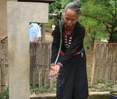 réseaux d'eau  humanitaire laos