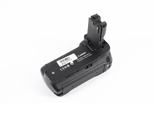 Canon BG-E7 Battery Grip for Canon 7D only