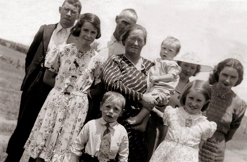 32 The Ryans c. 1938-2009.jpg