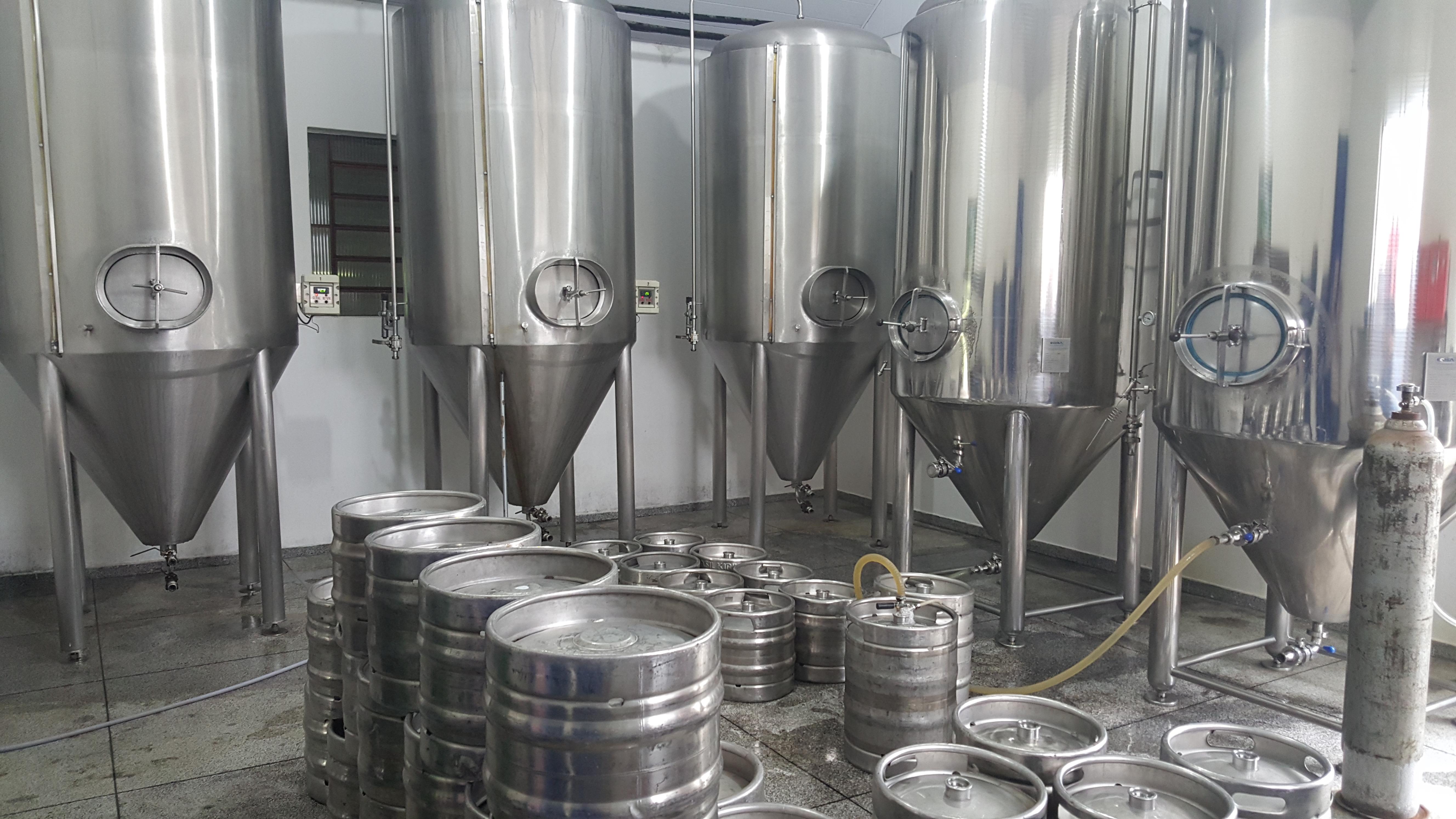 Tanques de fermentação e maturação