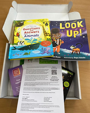 01. Packs of books and literacy resource
