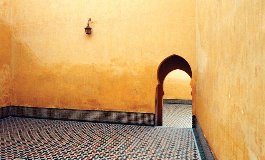 tUHd7kHTp6Ha4s9wONcI_Palace-Courtyard,-M