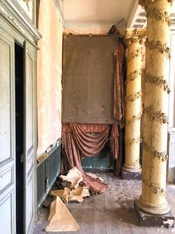 Chambre aux colonnes