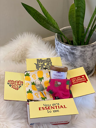Minnieology Gifts | Pineapple Gift Box