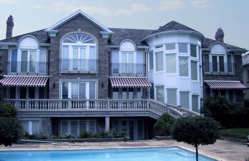 luxury awnings canada.jpg