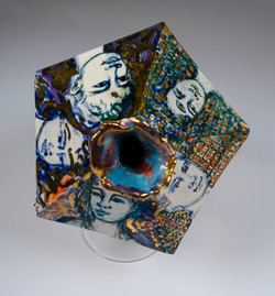 five face vase