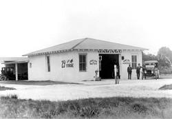 Automotive Garage on Pine Avenue