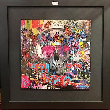Skull  (25 x 25cm) dimension avec cadre (40 x 40cm)