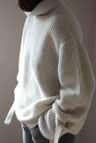 edel-cashmere-sweater-phantom-2-scaled.j