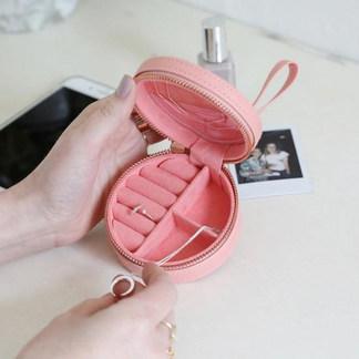 mini-round-travel-jewellery-case-pink-4x