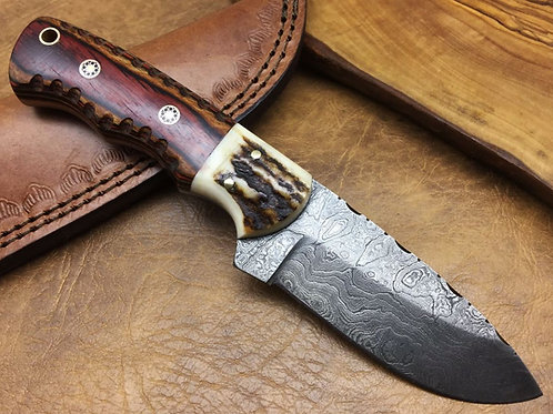 Damascus Steel Knife  H22 Stag