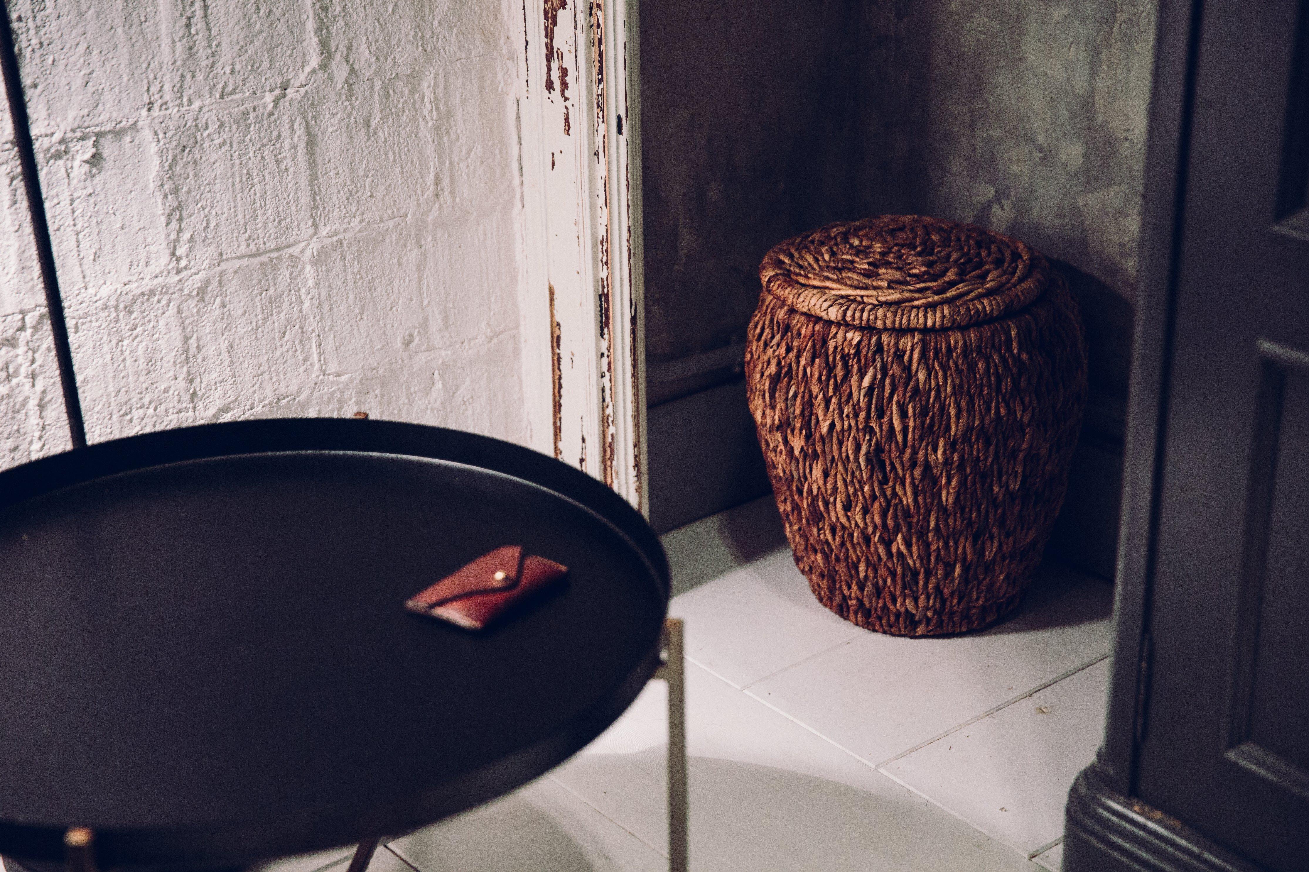 wicker-basket-in-the-corner-a-room(1)