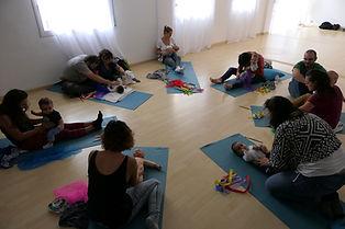 taller de conte sobre la pell, carícies nadons, massatge infantil