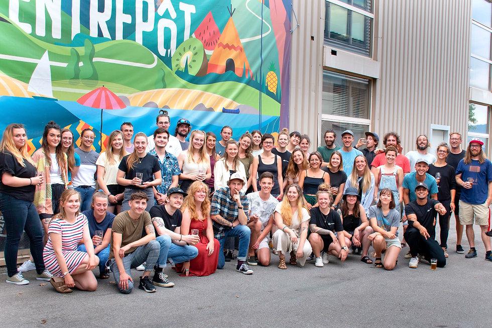 l'équipe l'entrepôt bloc, trampoline, bar&restaurant.jpg