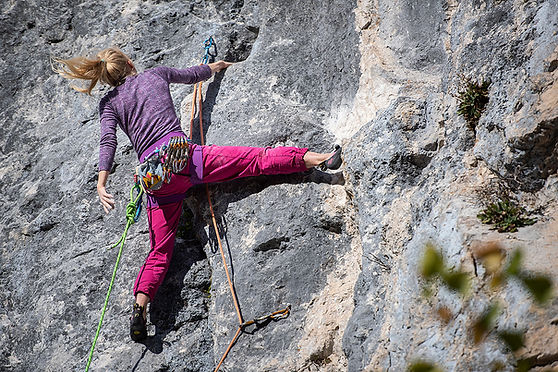 escalade-falaise-gruyere-fribourg-grimper