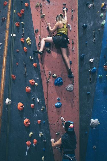 cours-parents-enfants-assurage-grimpe-escalade-fribourg-bulle