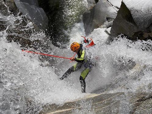 """CANYONING VERTICAL """"descente dans les gorges"""""""
