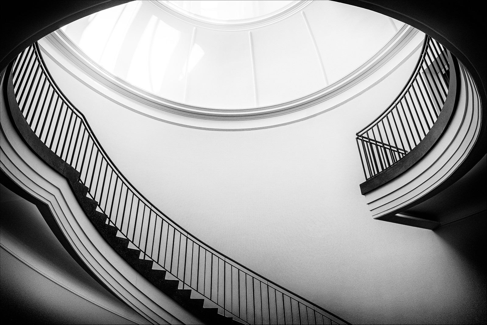 MONO - Museum Interior by Ray Magill (12 marks)