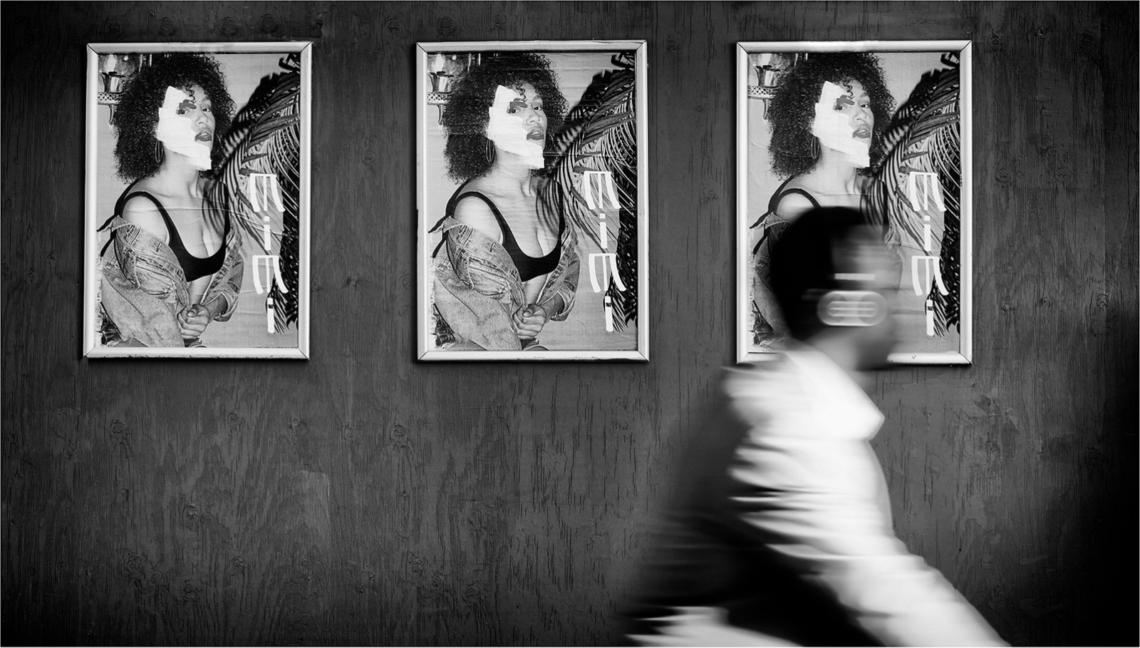 'Passing Mimi' by Ray Magill (9 marks)  -  Bangor & North Down Camera Club