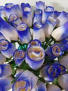 rose bud white w blue