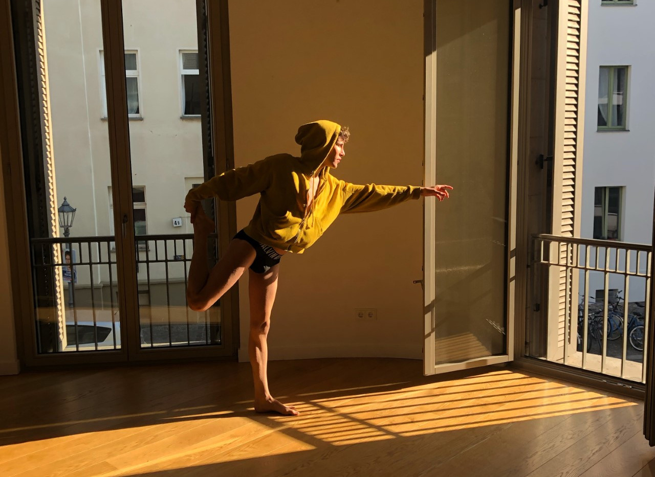 7 AM Body balance in the morning sunlight