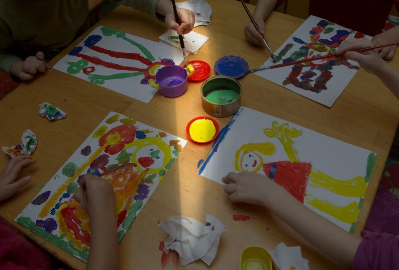 Children painting a art workshop