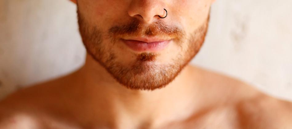 Piercing naso uomo.jpg