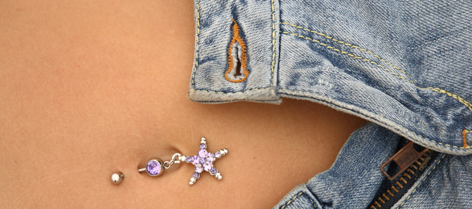 piercing donna ombelico.jpg