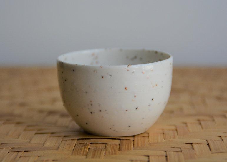 Petits contenants à épices en porcelaine fine et de grains de mica