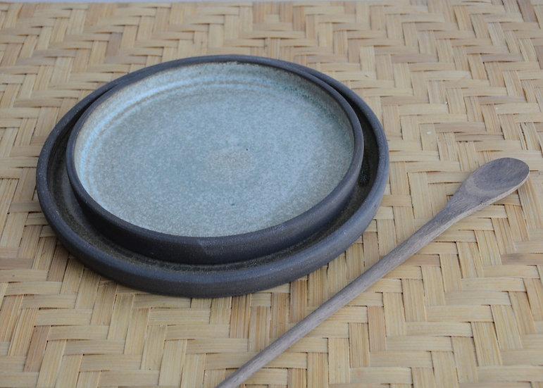 Coupelle avec rebords en grès noir émaillé
