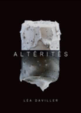 Altérités, projet réalisé à Vallauris, dans la section Jeunes Créateurs. Altérités est une série de pièces en porcelaine, jouant sur les contrastes et différents aspects de la terre.